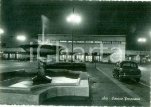 1959 ASTI Facciata della Stazione ferroviaria e fontana *Cartolina postale FG VG