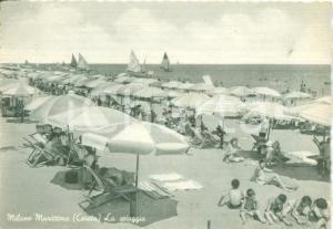 1952 CERVIA (RA) La spiaggia di MILANO MARITTIMA *Cartolina ANIMATA FG VG