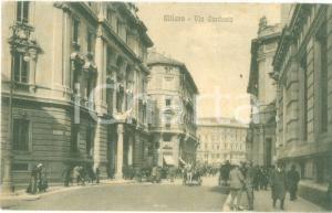 1940 ca MILANO Carrozza e passanti in Via Cordusio Cartolina FP NV
