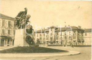 1949 ASTI Piazza IV NOVEMBRE e Monumento ai Caduti *Cartolina FP VG