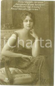 1918 INNAMORATI Giovane donna in abito scollato *Cartolina postale FP VG