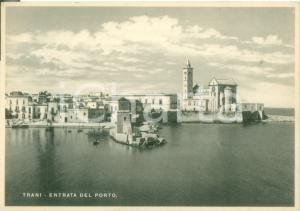 1938 TRANI (BT) Entrata del porto con veduta della città *Cartolina FG NV