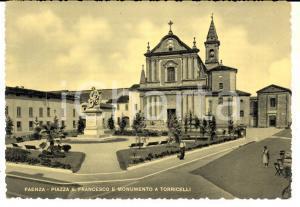 1953 FAENZA (RA) Piazza SAN FRANCESCO e monumento a TORRICELLI Cartolina ANIMATA