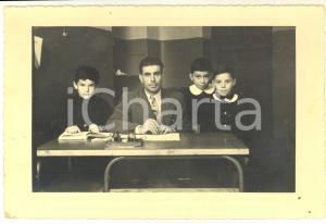 1954 LOCATE TRIULZI Maestro elementare con i fratelli ARRIGONI *Foto 17x12 cm
