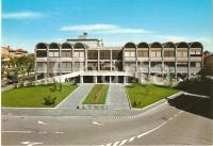 1965 ca BUSTO ARSIZIO (VA) Largo Giardino e nuova sede tribunale Cartolina FG NV