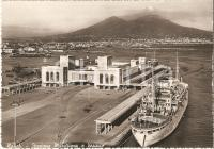 1955 ca NAPOLI Stazione marittima e VESUVIO *Cartolina FG NV