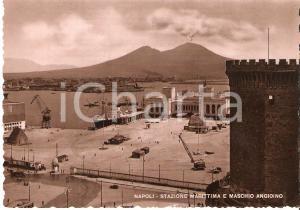 1960 ca NAPOLI Stazione marittima e MASCHIO ANGIOINO *Cartolina FG NV