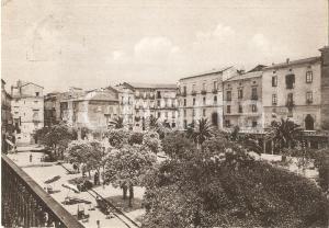1955 VALLO DELLA LUCANIA (SA) Piazza Vittorio Emanuele *Cartolina FG VG