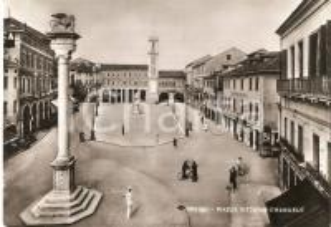 1952 ROVIGO Vigile in Piazza Vittorio Emanuele *Cartolina FG VG