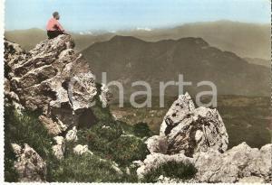 1960 VARESE - CAMPO DEI FIORI Scalatore ammira il panorama *Cartolina FG VG