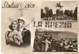 1956 LA SPEZIA Marinaio abraccia la fidanzata - Monumento a Garibaldi *Cartolina