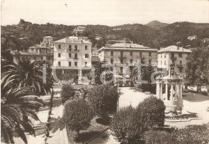 1956 ALASSIO (SV) Giardini pubblici e Hotel BRISTOL *Cartolina FG VG