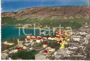 1955 ca GARDA (VR) Panorama del paese con Lago di Garda *Cartolina FG NV