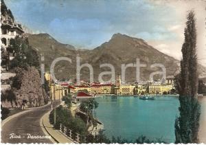 1955 ca RIVA DEL GARDA Battello attraversa il Lago di Garda *Cartolina FG NV