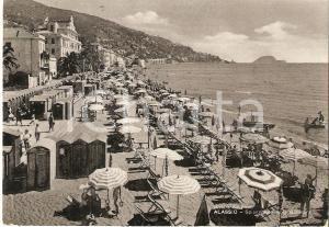 1955 ALASSIO (IM) Spiaggia e Isola GALLINARA *Cartolina FG VG