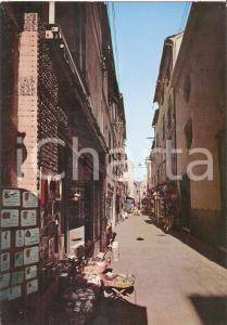 1968 ALASSIO (SV) Negozi di souvenir nel famoso budello *Cartolina FG NV