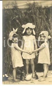 1905 ca PASQUA Bambine e coniglietti  con le uova *Cartolina VINTAGE CURIOSA FP