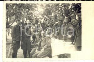 1936 REGIO ESERCITO Una tavolata di giovani ufficiali all'aperto *Foto cartolina