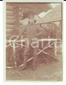 1915 ca WW1 ZONA DI GUERRA Ufficiale austriaco in un deposito *Foto 9x12 cm