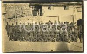1910 ca REGIO ESERCITO Battaglione di alpini in un villaggio *Foto cartolina