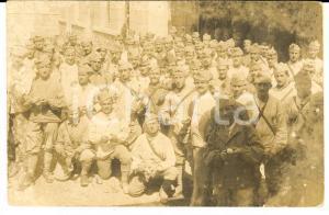 1910 ca FRANCE Un bataillon à la corvée des pommes de terre *Photo carte postale