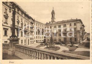 1943 IVREA (TO) Furgoncino davanti a un palazzo *Cartolina FG VG