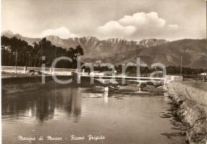 1955 ca MARINA DI MASSA Auto attraversa ponte su Fiume Frigido *Cartolina FG VG