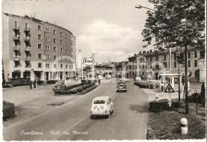 1955 CASTELLANZA Fiat 500 in Viale Don Minzoni Distributori SHELL Esso Cartolina