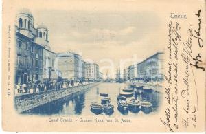 1899 TRIESTE Passanti e barcaioli in posa sul CANAL GRANDE *Cartolina FP VG
