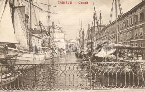 1909 TRIESTE Barche e navi affollano il canale *Cartolina FP VG
