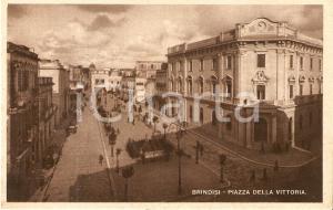 1941 BRINDISI Gente a passeggio in Piazza della Vittoria *Cartolina FP VG