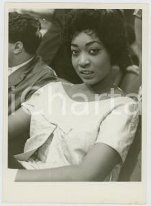 1958 BELLUSCO (MB) Ritratto di una giovane donna *Foto Andrea ALAINO 15x18 cm