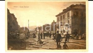 1915 ca ACQUI TERME Corso CAVOUR *Cartolina ANIMATISSIMA carretti e buoi