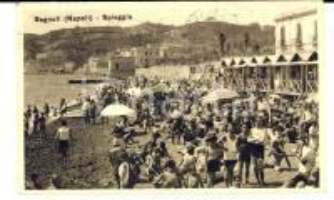1933 BAGNOLI / NAPOLI Veduta della spiaggia affollata *Cartolina ANIMATISSIMA FP