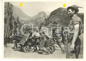 1941 WW2 Alpini trasportano un cannone *Foto per cartolina ditta MARZARI