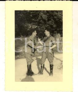 1940 ca MILANO Dialogo tra ufficiali di ARTIGLIERIA *Foto VINTAGE JENZI 9x11 cm