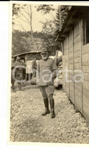 1918 WW1 ZONA DI GUERRA Ufficiale sanitario presso un alloggiamento *Foto 10x15