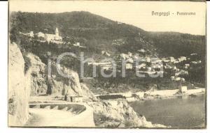1921 BERGEGGI (SV) Panorama con la spiaggia *Cartolina postale FP VG