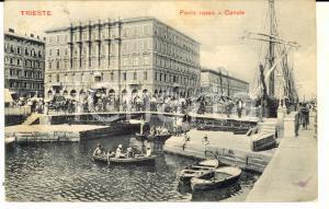 1910 ca TRIESTE Ponte Rosso - Canale *Cartolina ANIMATA barche FP VG
