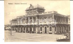 1925 PADOVA Facciata della stazione ferroviaria *Cartolina ANIMATA FP VG