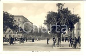 1930 ca PALERMO Via della LIBERTA' *Cartolina ANIMATA carrozze FP NV