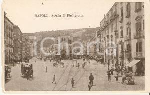 1902 NAPOLI Napoletani a passeggio su strada di PIEDIGROTTA *Cartolina FP VG