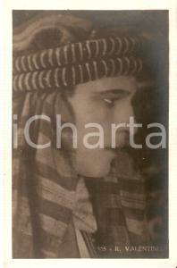 1930 ca CINEMA Rodolfo VALENTINO con copricapo da sceicco *Cartolina FP NV