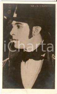 1925 ca CINEMA Rodolfo VALENTINO con cappello e basettoni *Cartolina FP NV