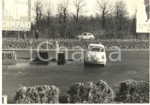 1965 ca RALLY Gara tra FIAT 600 Cartellone CAMPARI *Foto JOLLY CLUB