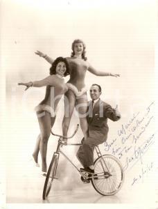 1958 FRANCE CIRCUS Les ROMANO - Acrobati ballerini in bici *Foto con AUTOGRAFO