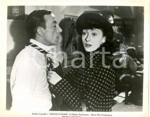 1950 JUSTICE IS DONE Valentine TESSIER knotting a tie - Movie André CAYATTE Foto