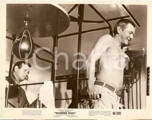 1967 WARNING SHOT David JANSSEN George GRIZZARD at the gym - Movie by Buzz KULIK
