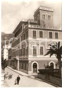 1955 ca LEVANTO (SP) Padre e figlio davanti alla Pensione BELVEDERE Cartolina FG