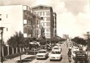 1964 FANO (PU) Traffico davanti alla pensione Sassonia *Cartolina FG VG